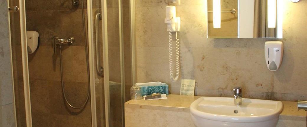 Hotel Zenit Balaton ve Vonyarcvashegy